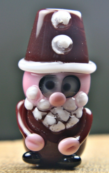 Guest Post: Lampwork Tutorial – Make a Father Christmas Bead